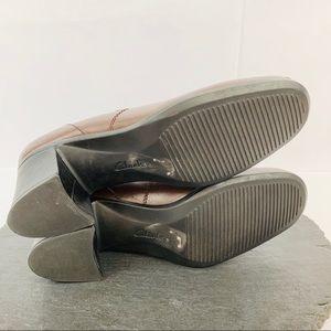 Clarks Shoes - Clark's brown leather women's heel size 10M